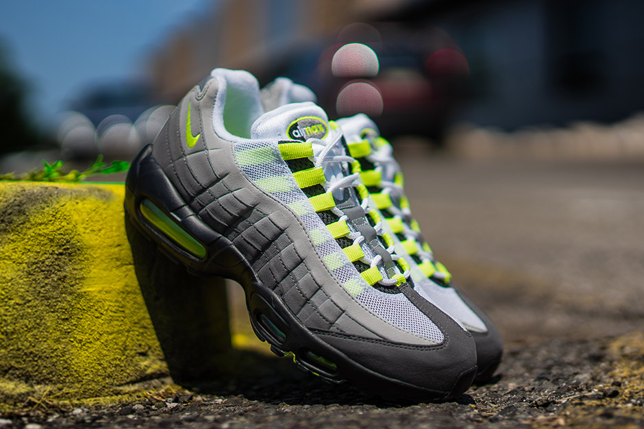 lafayette blog nike air max 95 og neon. Black Bedroom Furniture Sets. Home Design Ideas