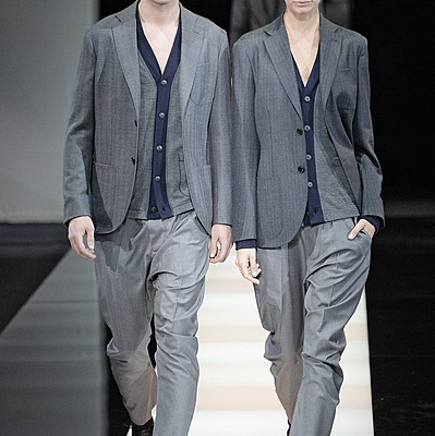 MILAN, ITALY - JANUARY 20:  Models walk the runway at the Giorgio Armani Autumn Winter 2015 fashion show during Milan Menswear Fashion Week on January 20, 2015 in Milan, Italy.  (Photo by Catwalking/Getty Images)