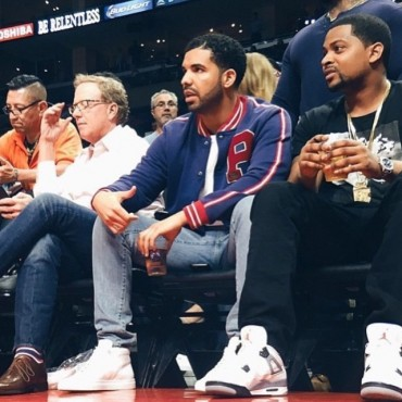 Drake-wears-Polo-Ralph-Lauren-P-Varsity-Jacket-Fleece-Baseball-Jacket-Courtside-640x640-640x640