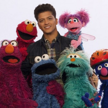w583h583_62602-sesame-street-bruno-mars-don-t-give-up